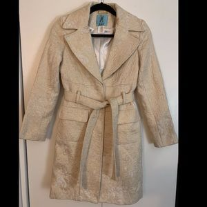 Marciano cream/white/gold coat XS